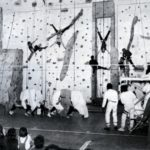1983 - Lycée de Corbeil-Essonnes - Spectacle d'inauguration du mur d'escalade