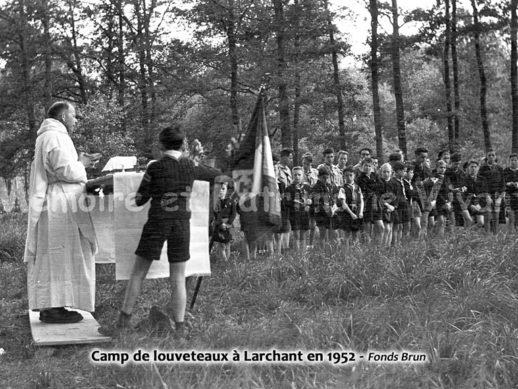 1952, camp de louveteaux à Larchant.