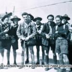 Retour des scouts à Corbeil, devant le presbytère. Avec l'abb