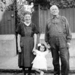 Grands-parents et leurs petite fille à Corbeil-Essonnes