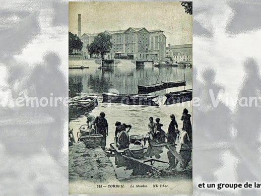 Un groupe de laveuses devant le moulin à Corbeil - Seine-et-Oise